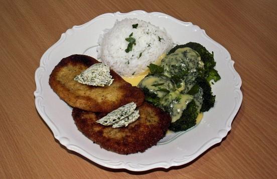 Schnitzel mit Reis und Brokkoli