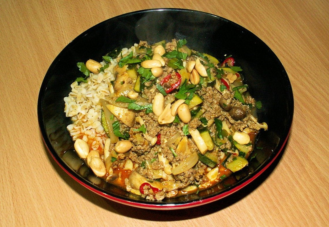 Rice, ground beef, zucchini and mushroom curry